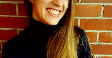 Carly Rosalie Vandergriendt headshot